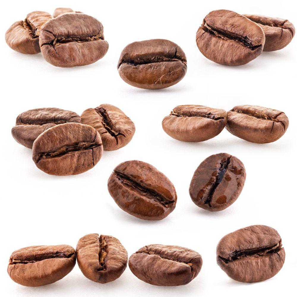 vari chicchi di caffè con tostatura differente