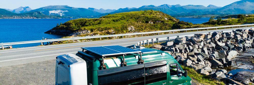 pannello solare monocristallino montato su camper