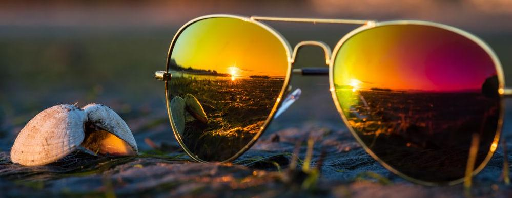generico paio di occhiali da sole con lenti polarizzate