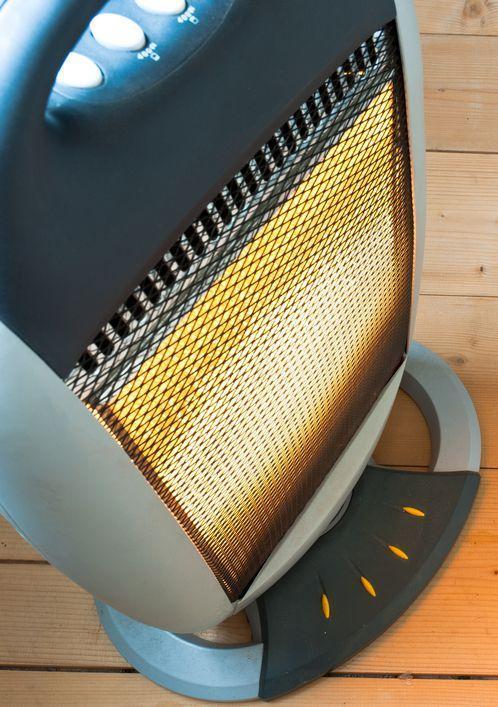generica stufa elettrica alogena con meccanismo di oscillazione