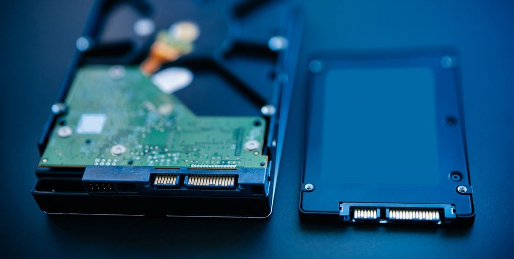 fotografia di hard disk vs ssd