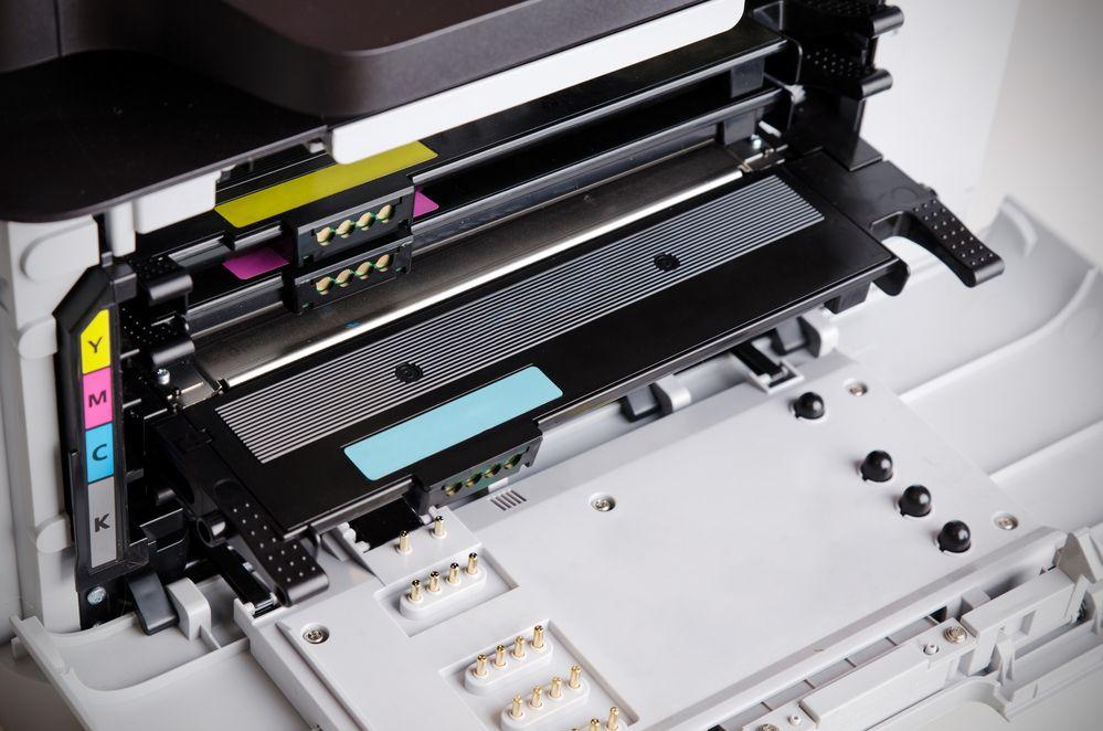 fotografia dell'interno della stampante multifunzione laser